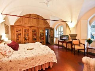 Romantic 1 Bedroom Rental in Florence