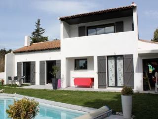 Holiday rental Villas Calas (Bouches-du-Rhone), 190 m2, 2 890 €
