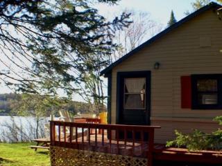 Woodland Echoes Cottage #3, Magnetawan