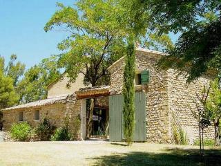 Provence Villa with a Private Pool, Fireplace, and Balcony, Villedieu