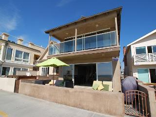 Huge Single Family Oceanfront Beach House! (68196), Newport Beach