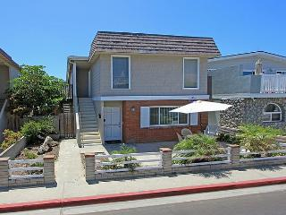 Great Beach Close Lower Unit! Steps to the Beach! (68184), Newport Beach