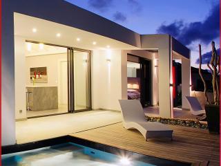 Contemperary styled 2 bedroom villa at Orient Bay