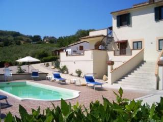 Spacious Luxury Villa With Pool & Stunning Views, Cellino Attanasio
