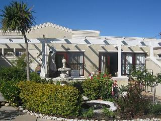Kaya La Provence, selfcatering unit and b&b suites, Constantia