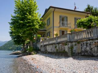 Villa on Lake Como with Pebble Beach - Villa Renzo, Lezzeno