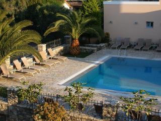 Harmony Hotel Apartments Maisonette DANAE 2-8 pers