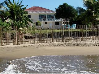 Doc's on the Bay, Treasure Beach