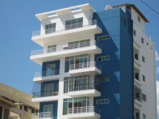 New 7th floor apt in prestigous Bella Vista area, Santo Domingo