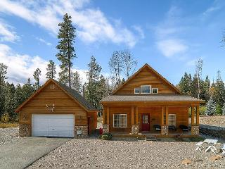 Custom Cabin Cabin|2BR+Large Loft Slps8|Hot Tub, Pool Access, 3rd Nt FREE!, Ronald