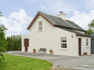 CAPPACURRY COTTAGE , pet friendly, character holiday cottage, with a garden in Ballinrobe, County Mayo, Ref 4668