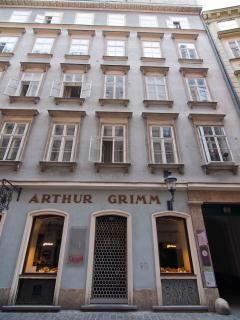 Our building, the flat is on the 2nd floor; note the Grimm bakery , the oldest in Vienna