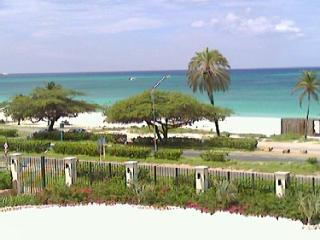 Deluxe One-Bedroom condo - E323-2, Palm/Eagle Beach