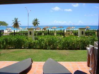 Ocean Extravaganza Three-bedroom condo - E121, Palm - Eagle Beach