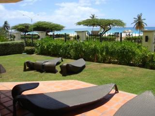 Ocean Extravaganza Two-bedroom condo - E121-2, Palm/Eagle Beach