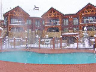 1 Block from the Ski Area - Save on Lift tickets and ski/snowboard Rentals, Steamboat Springs