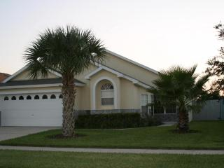 HONEYPOT Villa 4bd 3bth 7 mn to Disney SW Prv Pool, Kissimmee