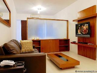 Great Studio - with Balcony– Rooftop Pool (R3)