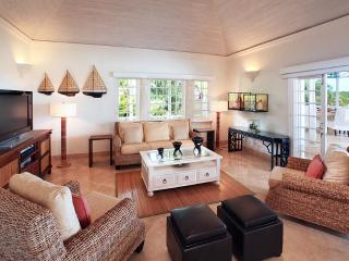 Aurora, Sandy Lane - Ideal for Couples and Families, Beautiful Pool and Beach, Saint James Parish