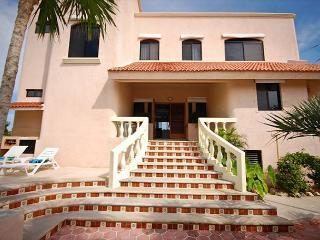 The grand entrance to Casa Dena.  Your luxury home away form hom