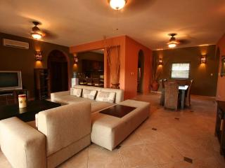 Luxury 3 bdr Center CABARETE Beachfront Residence, Cabarete