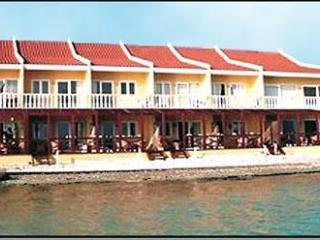 Aruba Beach Chalet5 - Savaneta ON BEACH 2 bd Condo