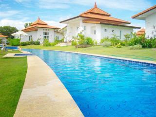 Villas for rent in Hua Hin: V5342