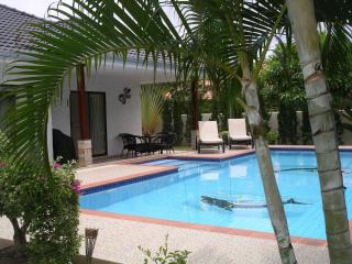 Mountain beach, 2 Bedroom private villa and pool., Hua Hin