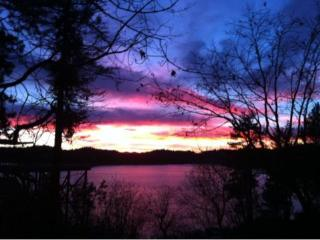 20% off fall Wow! LAKEFRONT CABIN-beach/JACUZZI11P, Lake Arrowhead