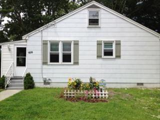 Perfect House with 2 Bedroom & 2 Bathroom in Cape May (Paradise on Pacific 102038)