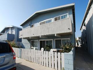 Renovated Lower Beach Condo! 1 House From Ocean! (68293)