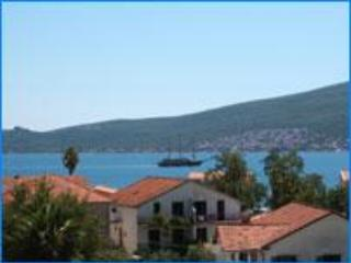 Sea View, Best Value Apartment ! (Montenegro/Eire)