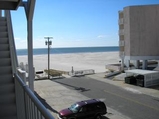 Early Summer Vacation Value in Oceanfront Complex, Wildwood Crest