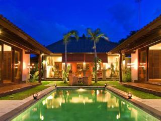 4 Bedrooms Luxury Villa in Seminyak, BALI