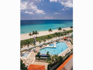 2 Bedroom Beach Condo Right on Hollywood Beach FL