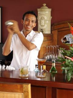 Cocktails at five mandadory
