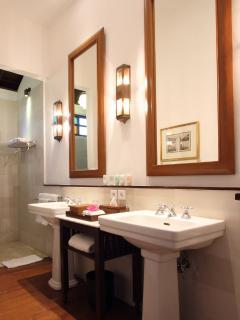 Villa Batavia - Bathroom of New Bedroom