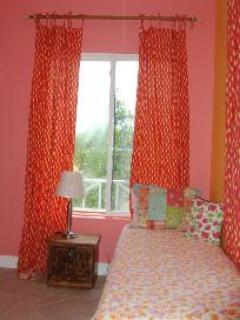 'Coral room' guest bedroom