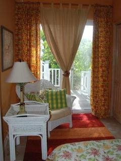 Hibiscus room seating area