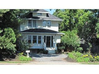 1923 Sears Home!  Historic Hideaway 20 Mins to DC -Easy Access to DC