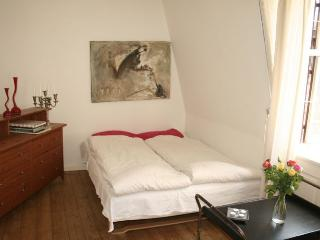 Very centrally located Copenhagen apartment at Stroeget, Copenhague