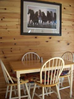 Cottage Dinning Area
