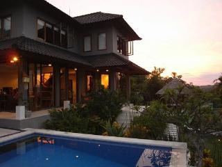 Villa Penyon; 3 bedroom with Pool, Lembongan, Bali
