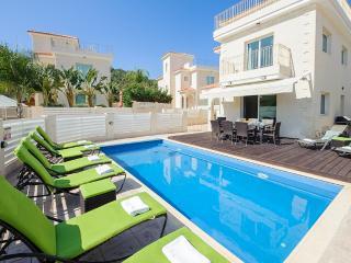 Oceanview Villa 024 - 4 bed on a popular complex, Protaras