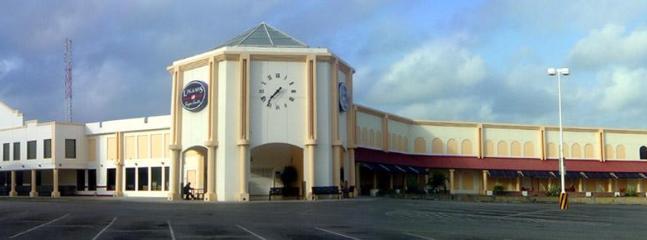 IGA super market at 3 minutes walking