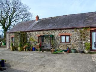 MOLLY'S COTTAGE, family friendly, luxury holiday cottage, with a garden in St Cl