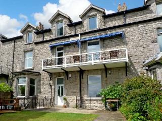 1 LINGFELL, pet friendly, character holiday cottage, with a garden in Grange-Over-Sands, Ref 7913, Cumbria