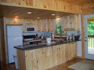 Becks Cabin....a beary nice place to be!, Robbinsville