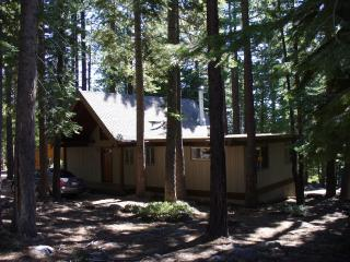Carnelian Bay Charm - 3 bedroom Lake Tahoe Cabin