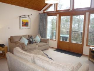 KESWICK BRIDGE 10, 2 Bedroomed, Keswick, Christmas week